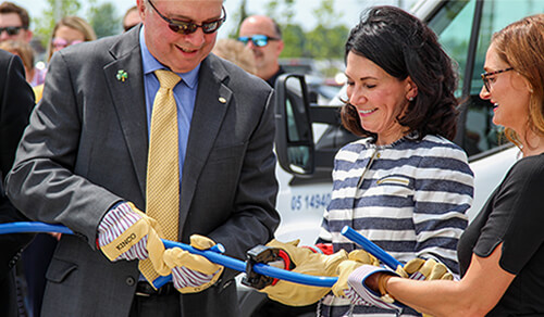Border States Electric Cuts Wire at New Branch Support Center to Celebrate Opening
